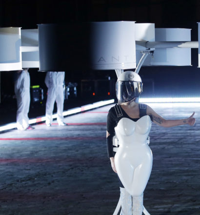 Lady Gaga Volantis